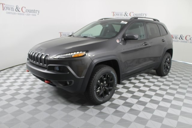 new 2018 jeep cherokee trailhawk sport utility in shreveport j8019 hebert 39 s town and country. Black Bedroom Furniture Sets. Home Design Ideas