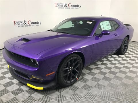 Heberts Town And Country >> Certified Pre-Owned 2017 Dodge Challenger R/T 2D Coupe in ...